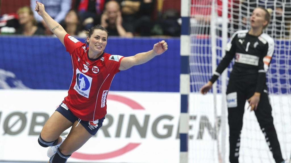 JUBEL: Nora Mørk og de norske jentene håper på mer jubel i håndball-EM.