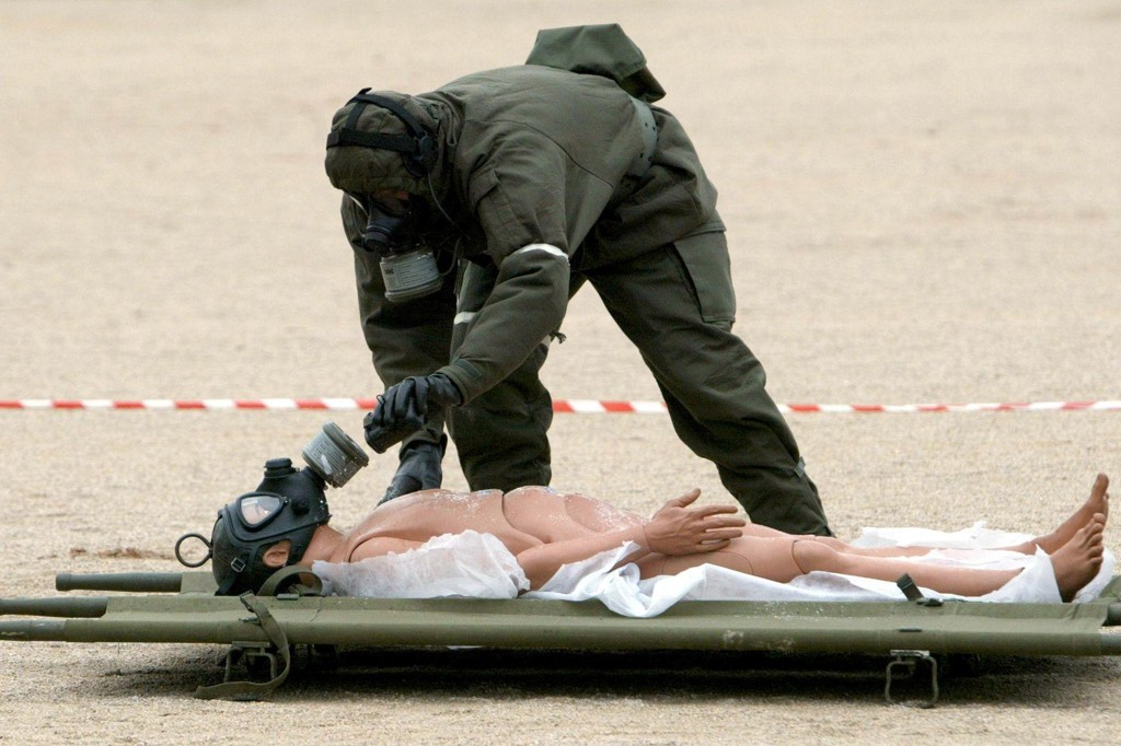 Et bioteknologisk terroranslag kan forårsake enorm skade. Bildet er tatt under en anti-kjemisk-biologisk øvelse i Hellas.