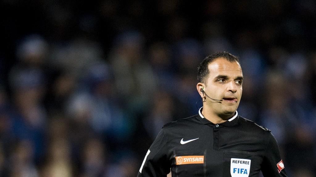 FÅR IKKE DØMME: Dommer Svein-Erik Edvartsen har foreløpig ikke fått dømme i Eliteserien denne sesongen.