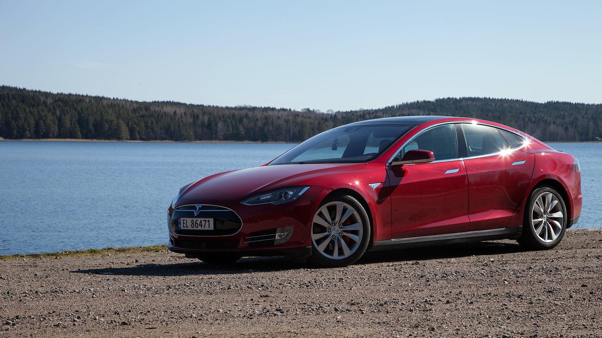 ØKER I PRIS: Toppmodellene av Tesla Model S har fått økt prisene med mellom 40.000 og 45.000 kroner.