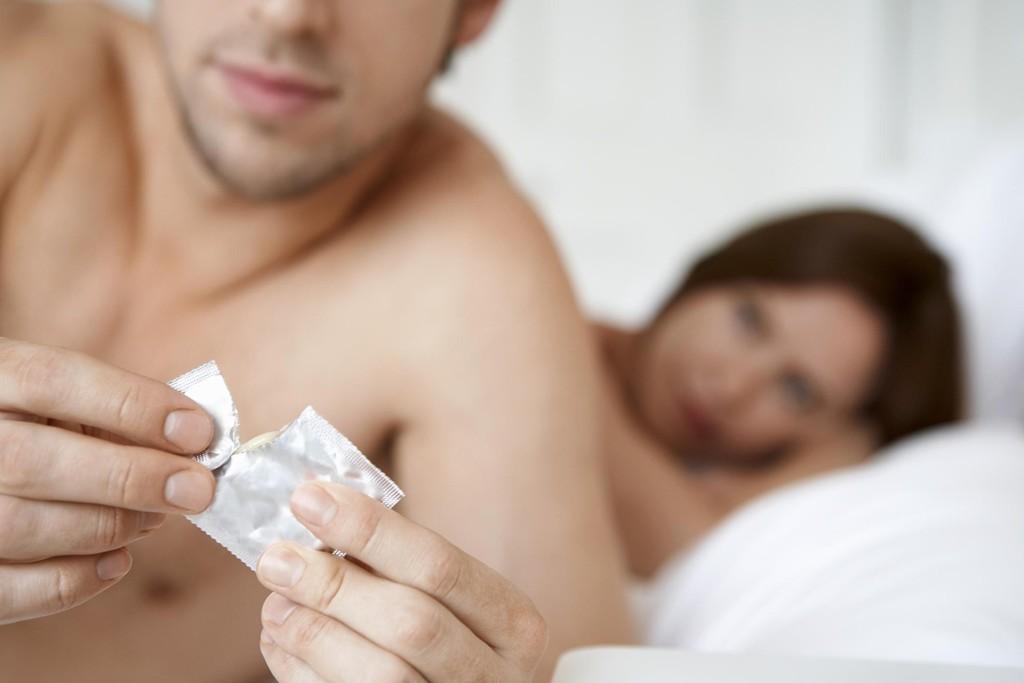 KONDOMOVERGREP: En mann i Sveits ble i fjor dømt for voldtekt, etter å ha fjernet kondomen uten partnerens samtykke under samleiet. Illustrasjonsfoto.