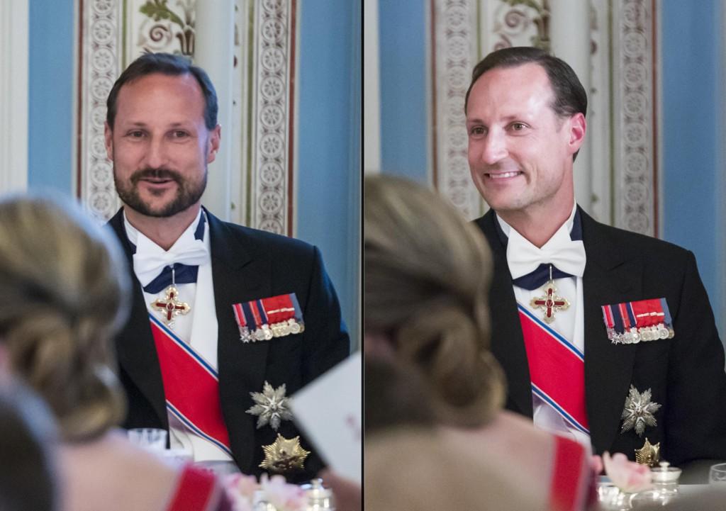Kronprins Haakon før og etter at han tok skjegget sitt som en del av underholdningen under gallamiddagen på Slottet tirsdag kveld. Dronning Silvia av Sverige til høyre.