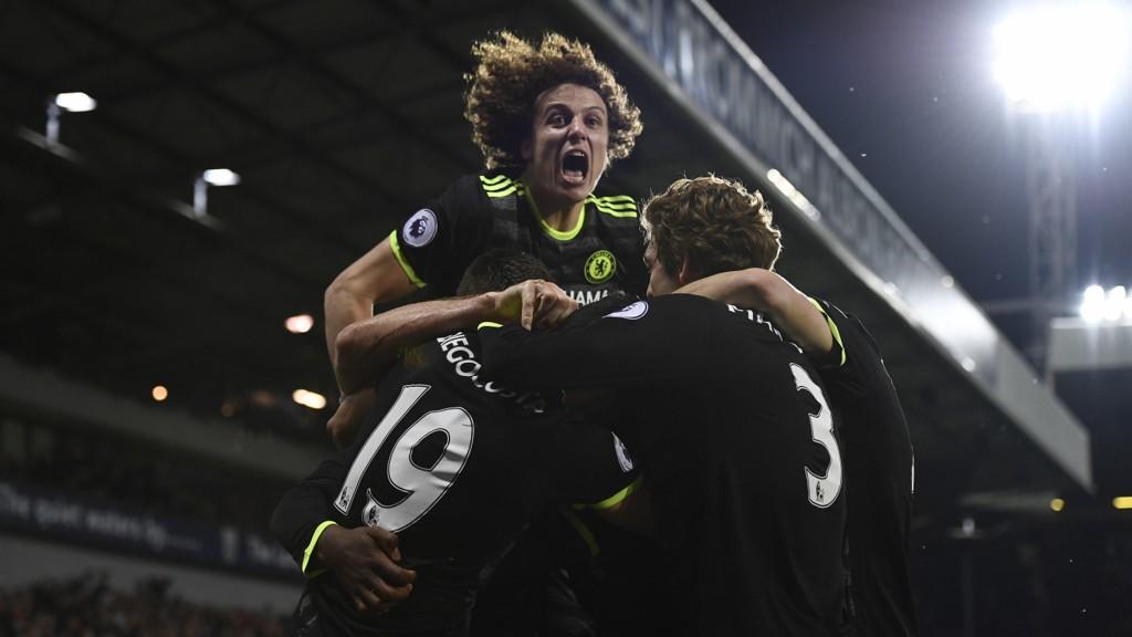 MESTERE: Chelsea er Premier League-mestere 2016/2017.