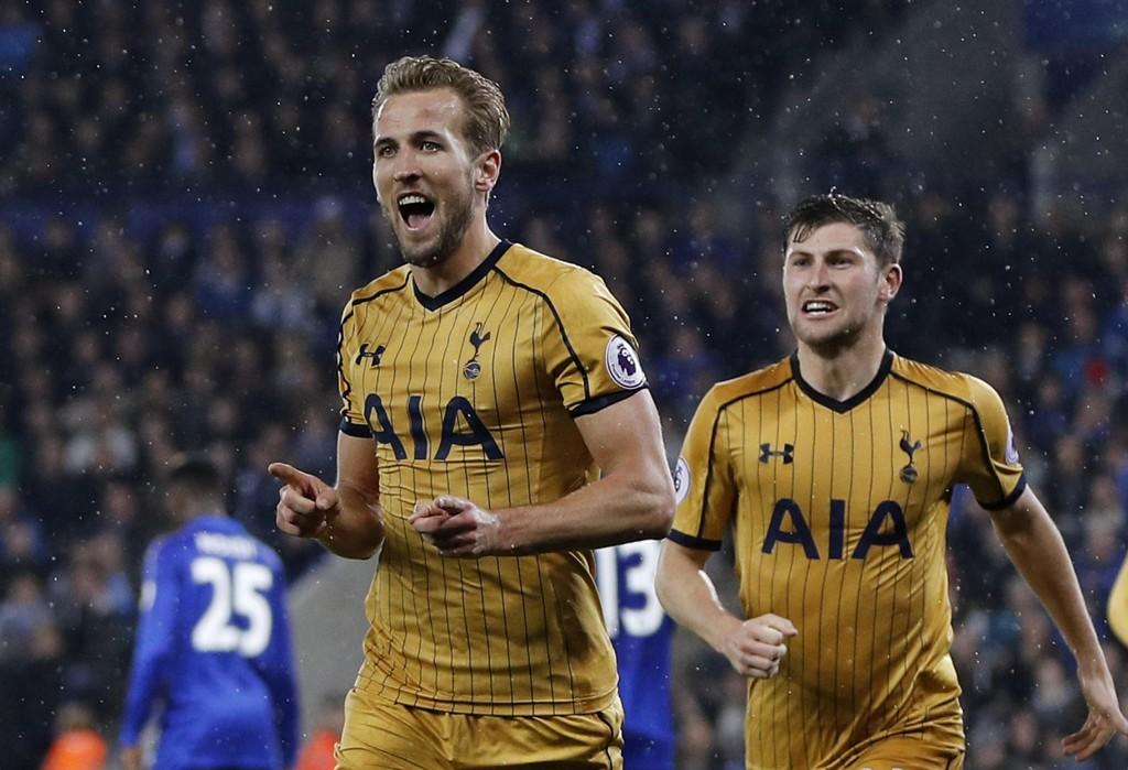 HATTRICK: Harry Kane jubler for sitt første av tre mål mot Leicester på torsdag.