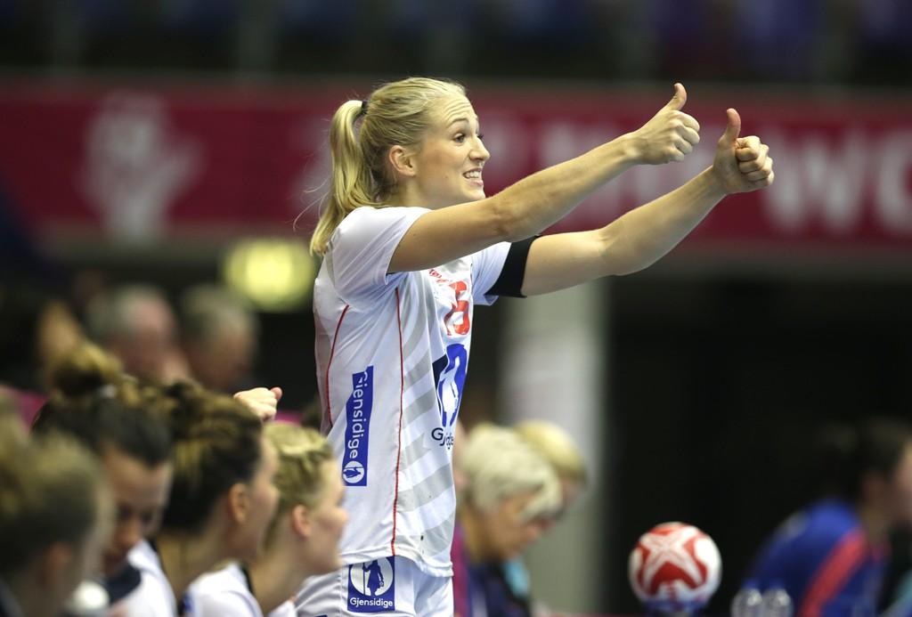 NI MÅL: Linn Jørum Sulland scoret ni mål da Vipers Kristiansand tok en overraskende hjemmeseier mot Larvik i sluttspillfinalen.