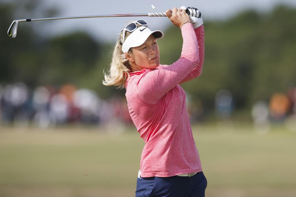I TETSJIKTET:Suzann Pettersen har gått de to første rundene i helgens LPGA-turnering tre slag under par og henger med i tetsjiktet.