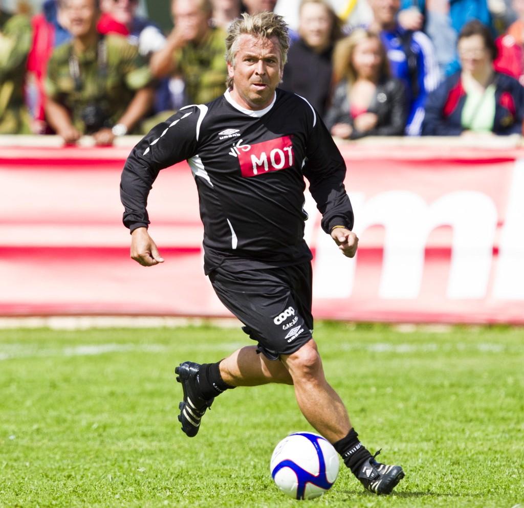 TILBAKE PÅ BANEN: Mini Jacobsen, her i aksjon under kjendiskampen på Ekebergsletta under Norway Cup i 2012, var tilbake på fotballbanen fredag kveld.