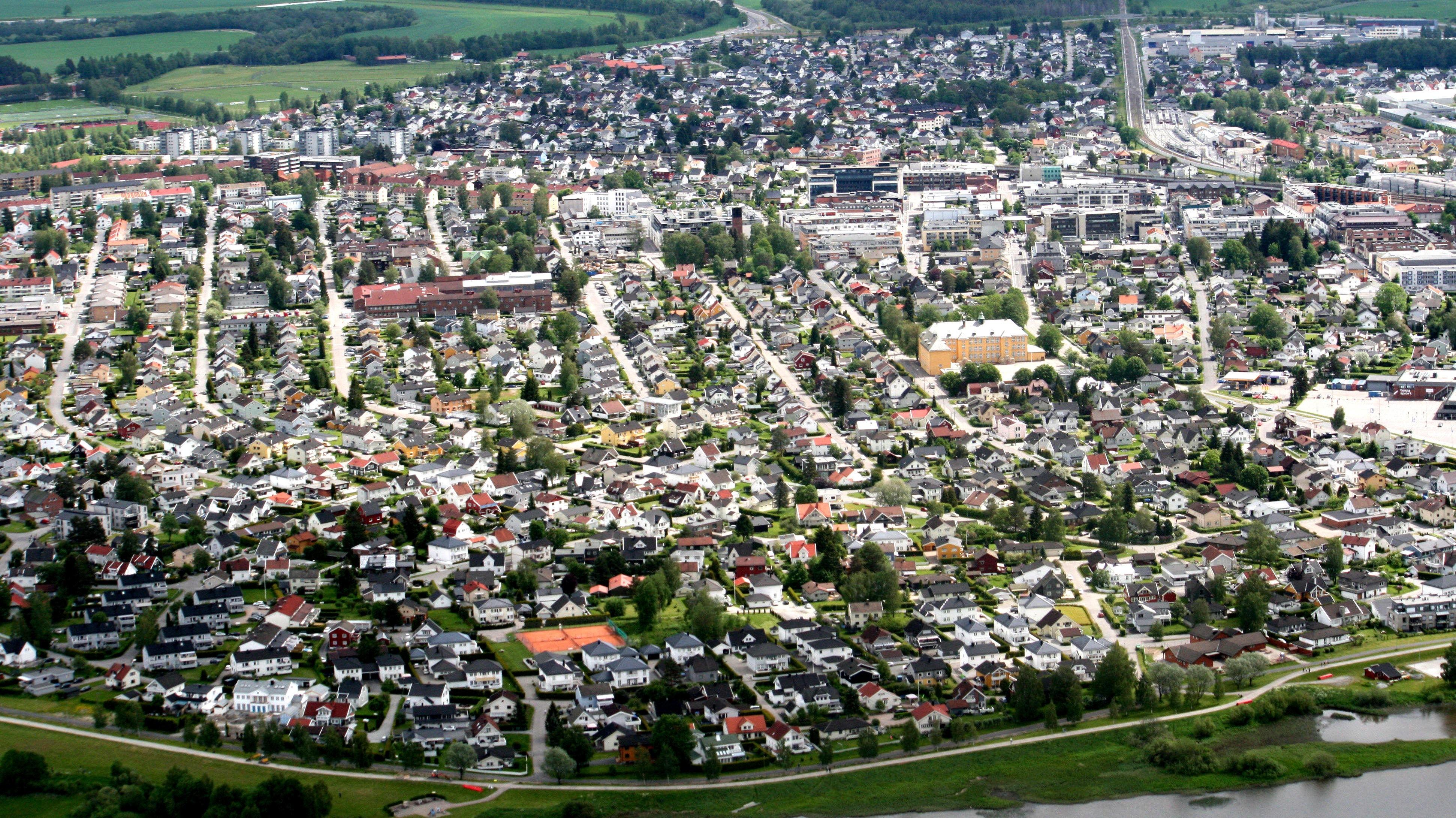 FRILYNT FOLK: Lillestrøm er «hovedstaden» i Skedsmo. Her bor drøyt 12.000 av kommunens rundt 50.000 innbyggere.