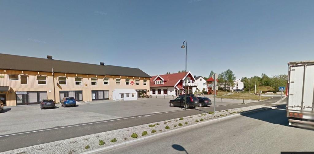 NAV-HOVEDSTAD: Ballangen sentrum med Nav-bygget. Her gikk 40 prosent av kommunens arbeidsføre innbyggere for å få støtte.