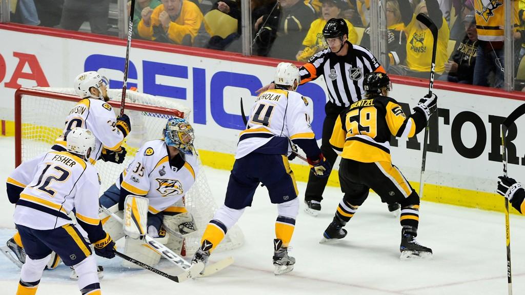 Dette bilder er fra den andre finalekampen mellom Pittsburg Penguins og Nashville Predators som ble spilt natt til torsdag.