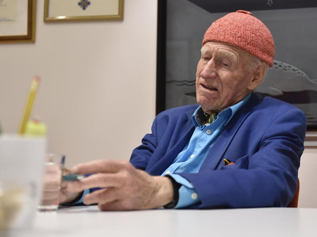 BYGD OPP FRA GRUNNEN: Olav Thon har gått fra å være en bondesønn i Hallingdal til en av Norges rikeste menn.