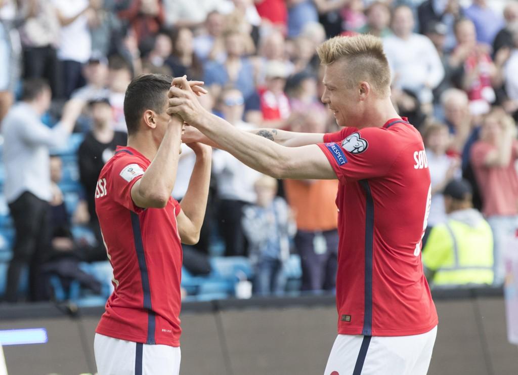 SPILLETID: Moi (til venstre) spiller fast for Basel. Alexander Søderlund (til høyre) sliter benken i St. Etienne. Det er dårlig nytt for sistnevnte, dersom han vil bidra på det norske landslaget.