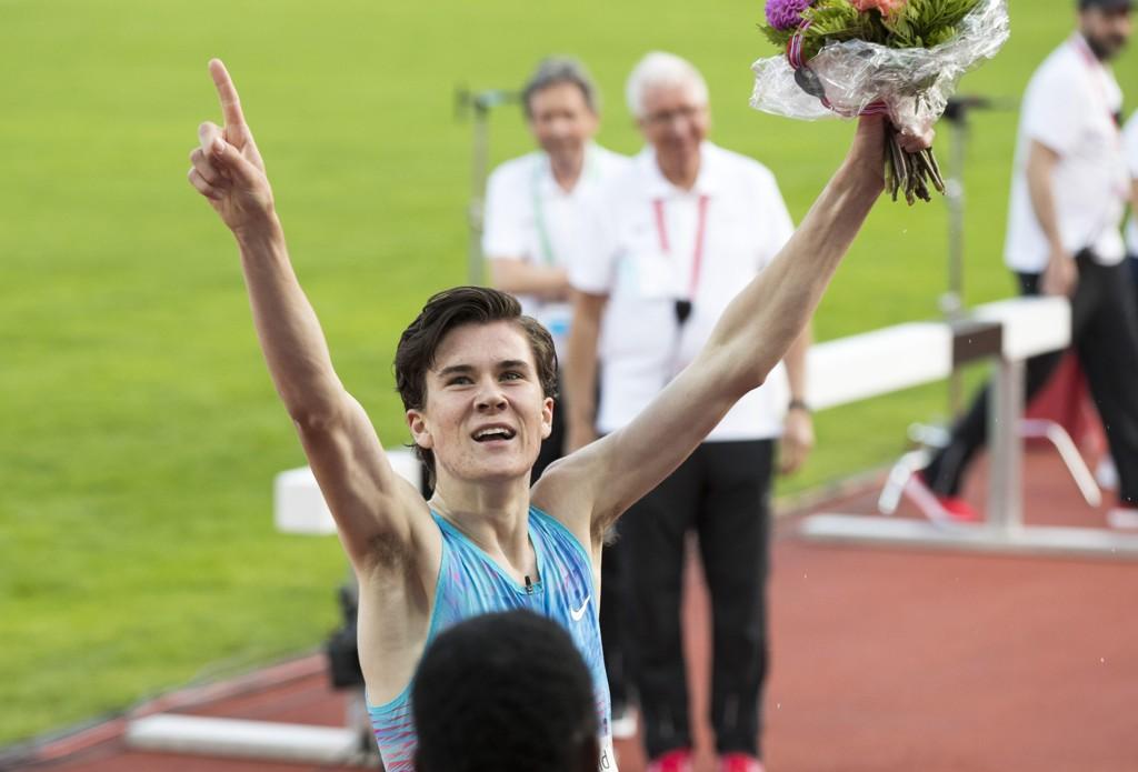 IMPONERTE: Jakob Ingebrigtsen forbedret sin verdensrekord for 16-åringer på den engelske milen på Bislett Games torsdag.