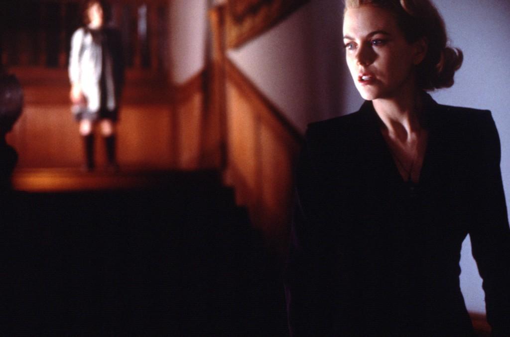 HJEMSØKT: I filmen «The others» spiller Nicole Kidman en tobarnsmor som bor i et hjemsøkt hus med barna sine. Nå skriver en rekke medier om en stillingsutlysning fra et skotsk par, som leter etter en barnepasser etter fem har sluttet på grunn av «overnaturlige hendelser».