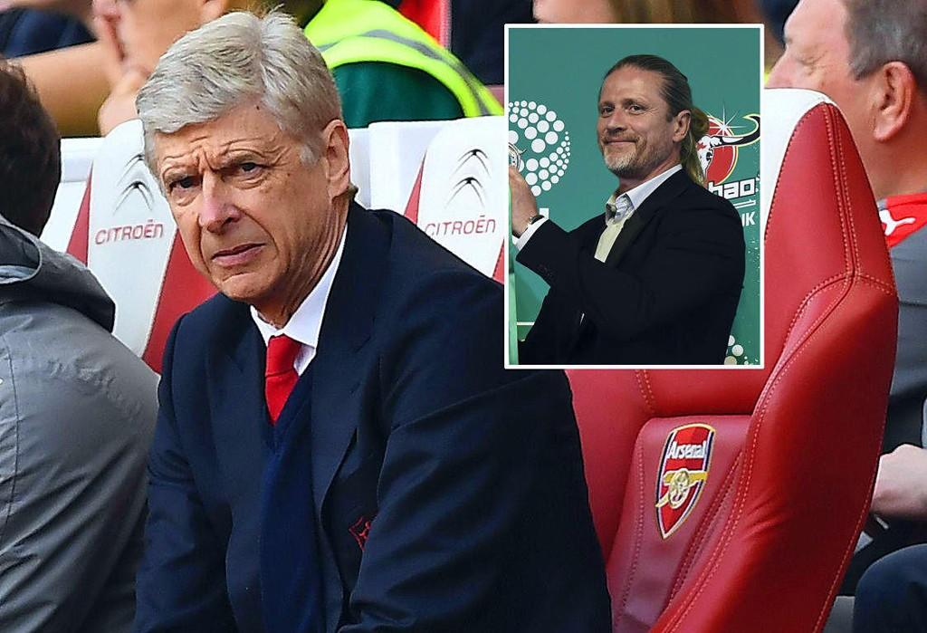 KRITISERER KRITIKERNE: Emmanuel Petit (innfelt) forsvarer gamlesjefen, Arsenal-manager Arsène Wenger.