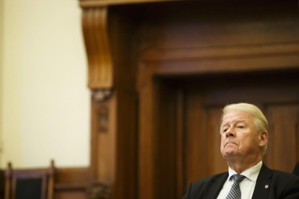 AVVIST: Her er Carl I. Hagen da pensjonssaken ble behandlet i Høyesterett.