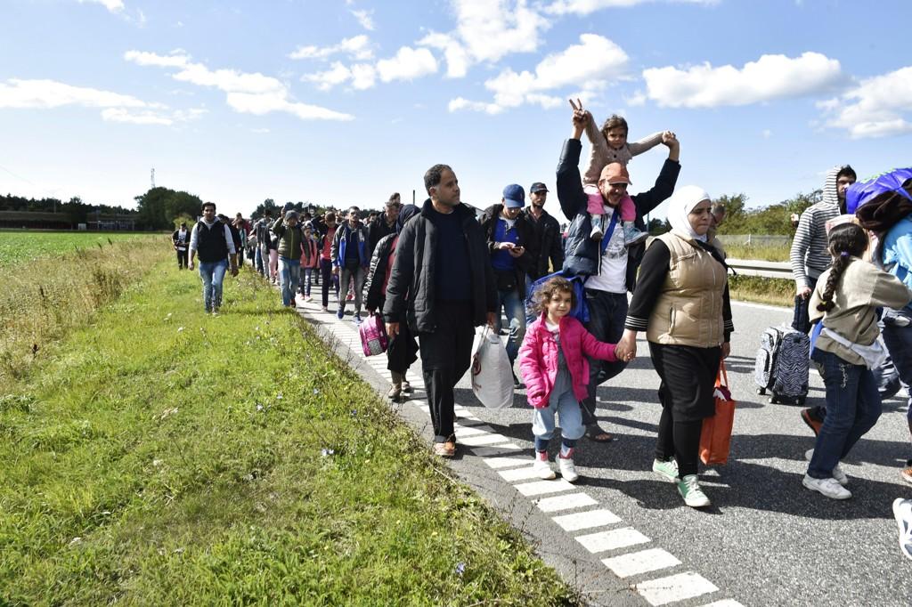 Najnowsze statystyki SSB pokazują, że pierwszy raz od rozszerzenia Unii Europejskiej, roczna liczba uchodźców przekroczyła liczbę emigrantów zarobkowych.