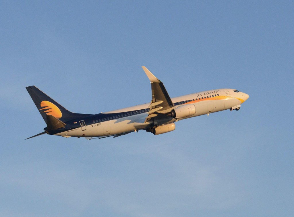 En gutt ble søndag født om bord på et passasjerfly som tilhører det indiske flyselskapet Jet Airways.