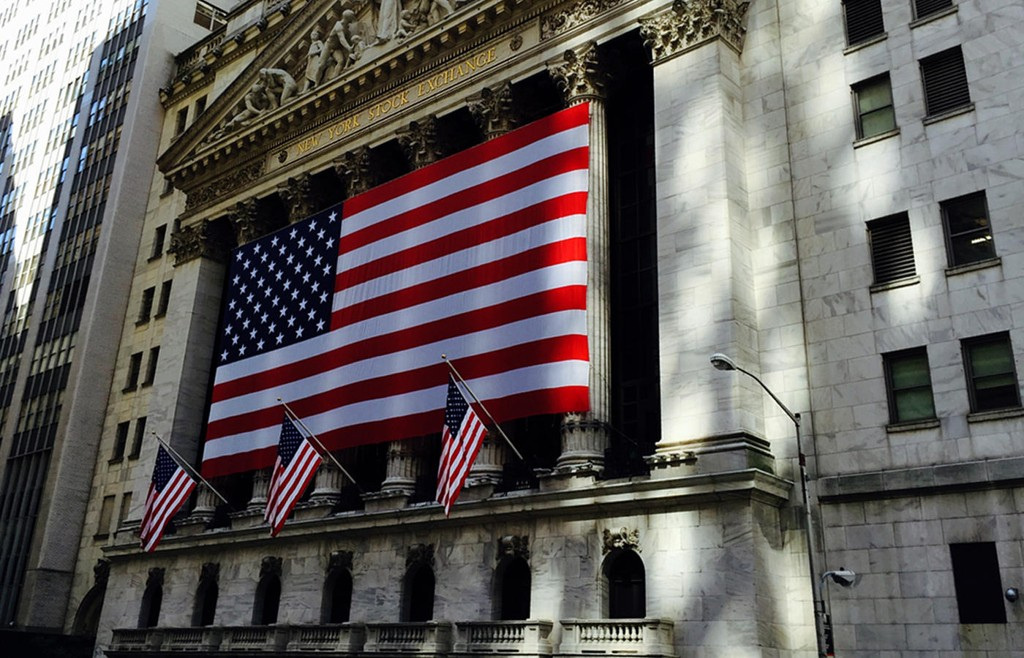 NEW YORK STOCK EXCHANGE ligger i Wall Street i hjertet av finansdistriktet i New York City.