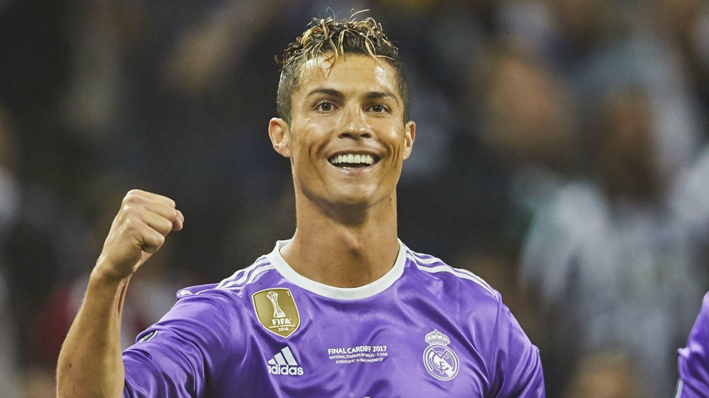 REKORDER: Cristiano Ronaldo har slått rekorder både på og utenfor banen.