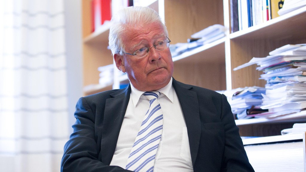 Carl I Hagen, Peter N. Myhre og Tommy Skjervold i Frp foreslår å forby tigging i Oslo.