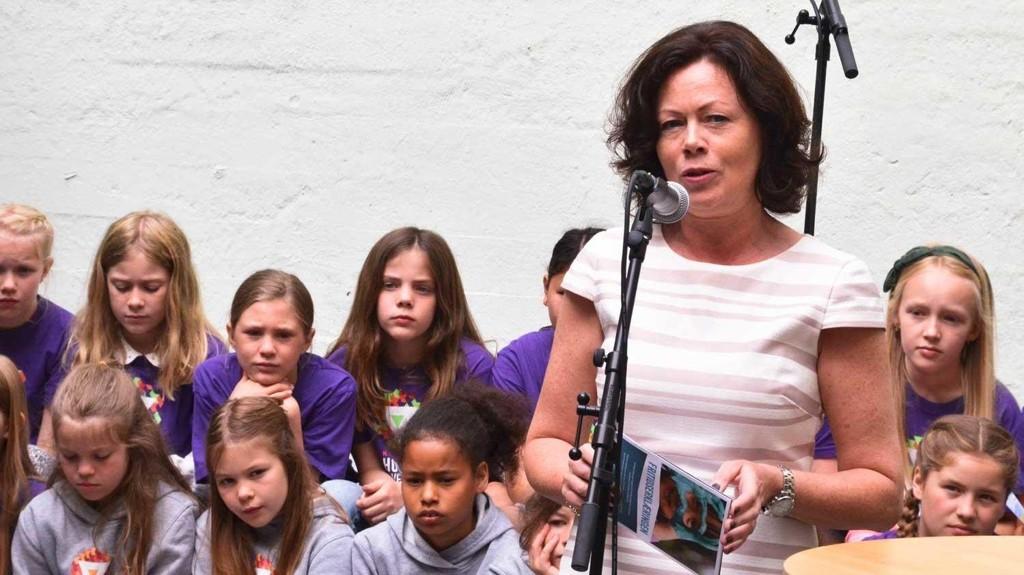 Barne- og inkluderingsminister Solveig Horne bruker 1,5 milliarder kroner i året på en ordnig som holder barna unna barnehagen - og mødrene unna yrkeslivet.