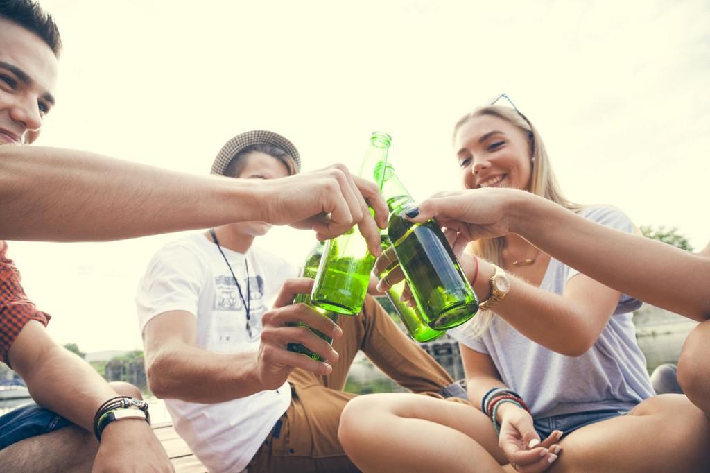 – Myten om at man kan forebygge eller redusere unges alkoholkonsum ved å sende med dem alkohol, er nettopp det, en myte, mener generalsekretær i Actis.