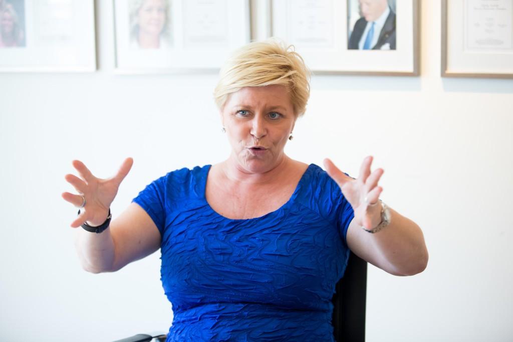 Finansminister Siv Jensen har lansert en ny tjeneste - mulighet til å betale mer skatt, helt frivillig.