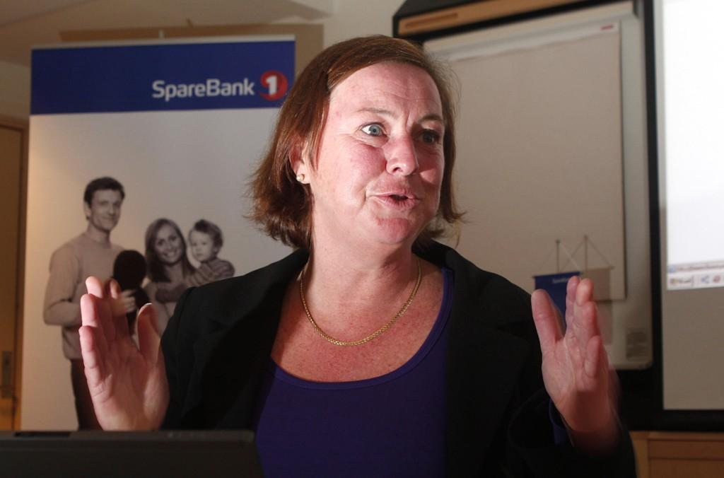 IKKE FORNØYD: Elisabeth Realfsen, daglig leder og redaktør i Finansportalen.no, venter rentekutt fra bankene.