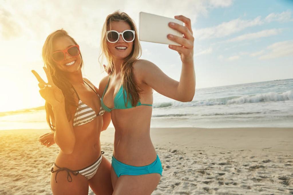 Trodde du reiseforsikringen din dekker skader på mobilen når du er på ferie? Da må du tro om igjen.