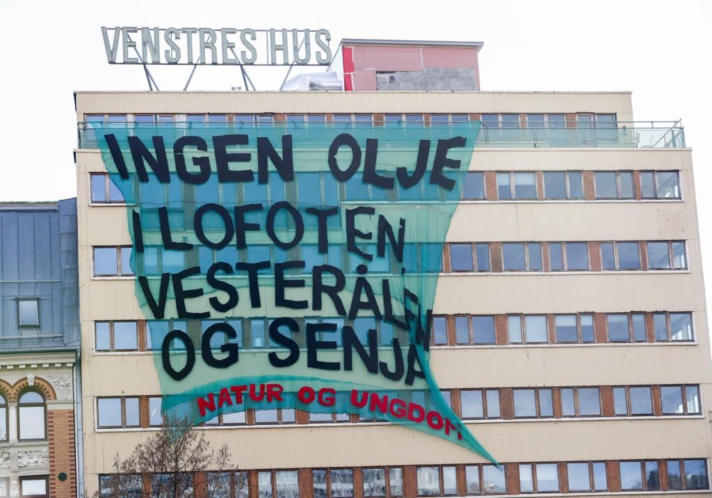 Avsenderen til motstanden mot oljeborring i Lofoten er Natur og Ungdom, hengende på Venstres Hus.