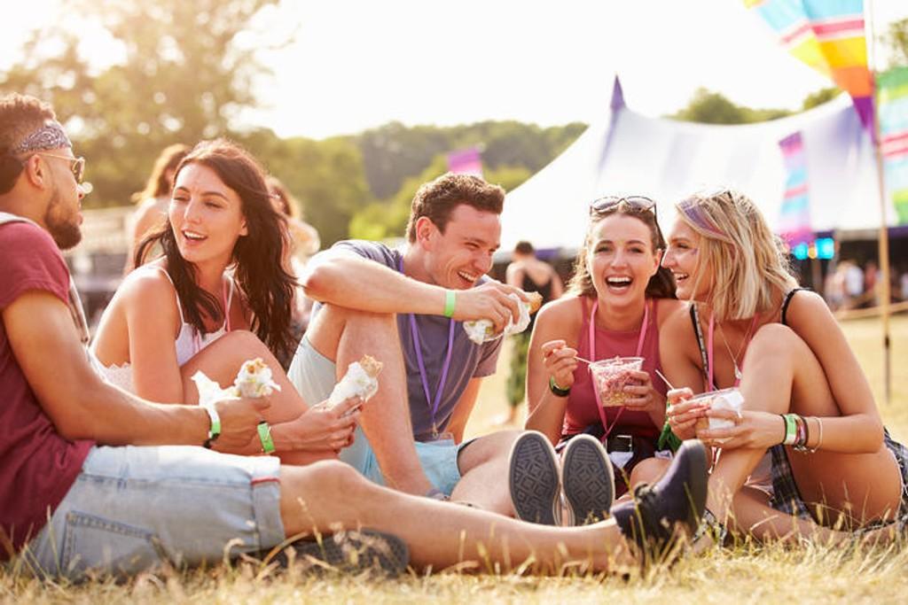 Vi koser oss alltid masse på festival - men det gjør bakteriene også!
