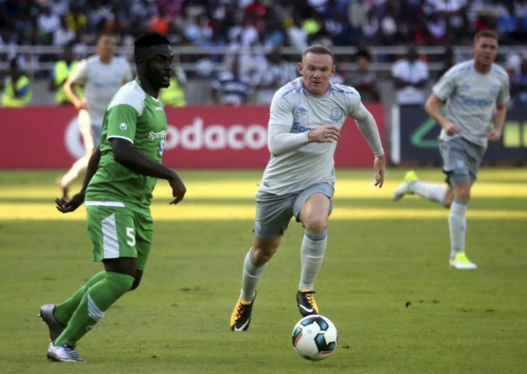 Wayne Rooney scoret i comebacket for Everton i en treningskamp mot kenyanske Gor Mahia i Tanzania torsdag.