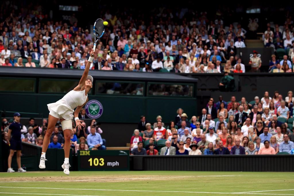 Garbiñe Muguruza slo tennisveteranen Venus Williams i kvinnenes Wimbledon-finale lørdag.