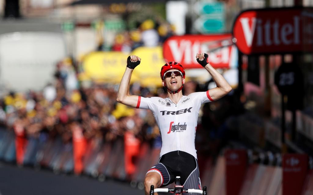 I ENSOM MAJESTET: Bauke Mollema sikret seg etappeseieren på 15. konkurransedag i Tour de France.