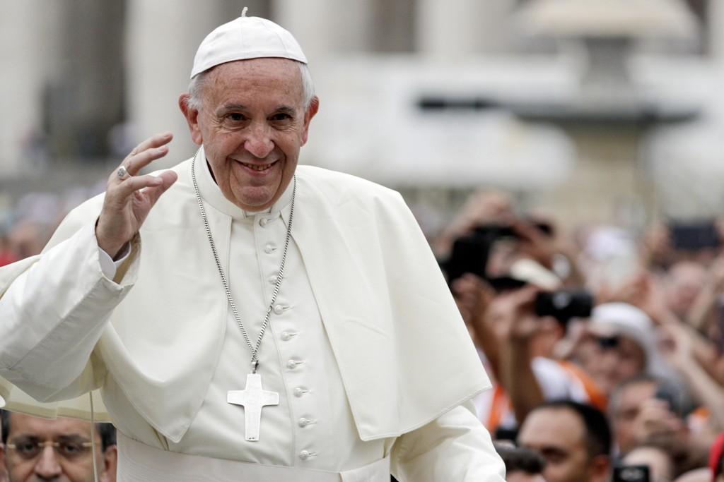 Pave Frans' rådgivere mener Steve Bannon står for et farlig fundamentalistisk syn på verden.