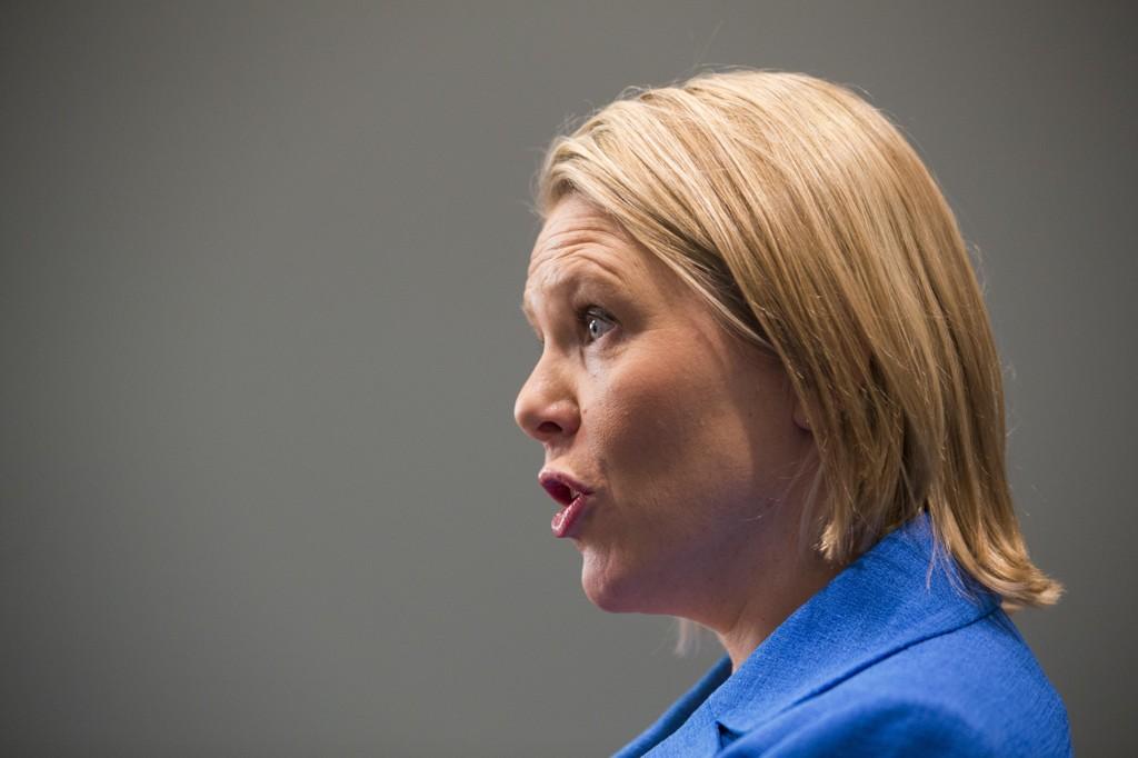 VIL ØKE BODTIDEN: Innvandrings- og integreringsminister Sylvi Listhaug (Frp) vil øke botiden fra sju til ti år for å kunne søke om statsborgerskap i Norge.