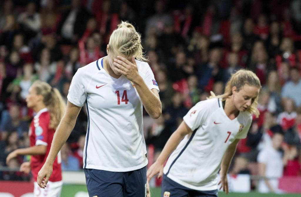 NEDTUR: Juli ble en enorm nedtur både for de norske fotballjentene og Nettavisens oddstips.