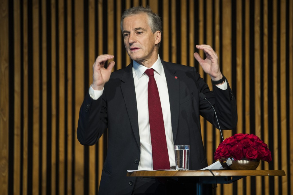 Leder i Arbeiderpartiet Jonas Gahr Støre må konstatere den dprligste målingen på fire år. Her oppsummerer det politiske halvåret på en pressekonferanse i Oslo juni 2017.