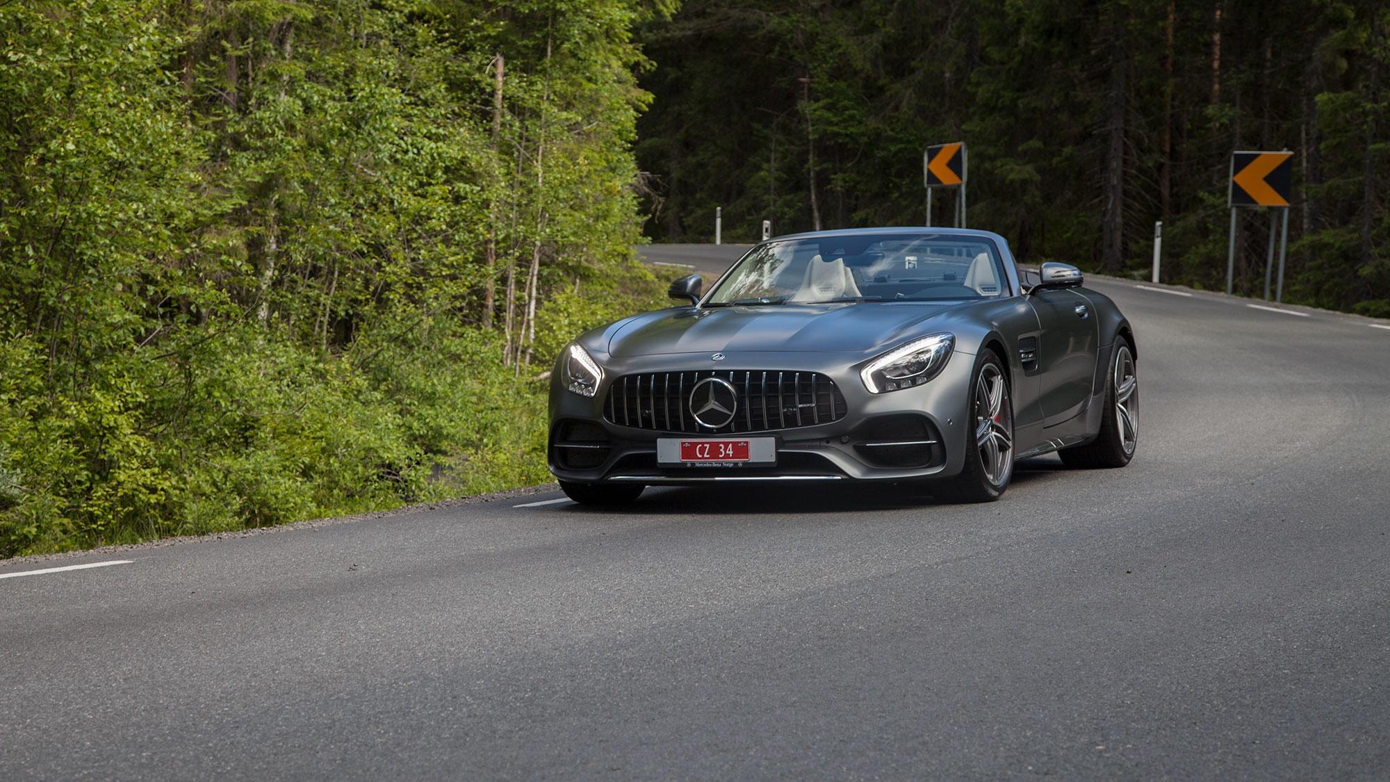 BRUTAL SKARPING: AMG GT C Roadster klarer å kombinere egenskaper som kanskje ingen andre biler klarer å få til å fungere.