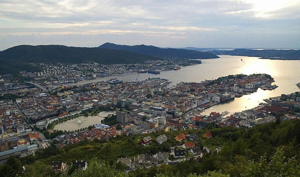 Bergen sentrum - her avbildet fra Fløyen 06.08.2007.