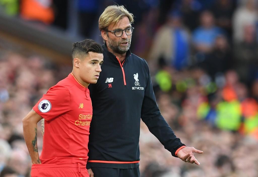 EN FARSFIGUR: Manager Jürgen Klopp framstår som en farsfigur for Liverpools spillere både på og utenfor banen.