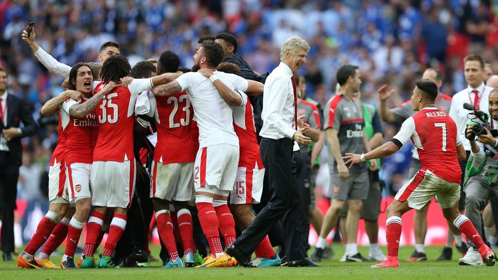 FULL JUBEL: Arsenal kunne juble for FA-cupen sist sesong - men i 2017/2018-sesongen forventes det mer.