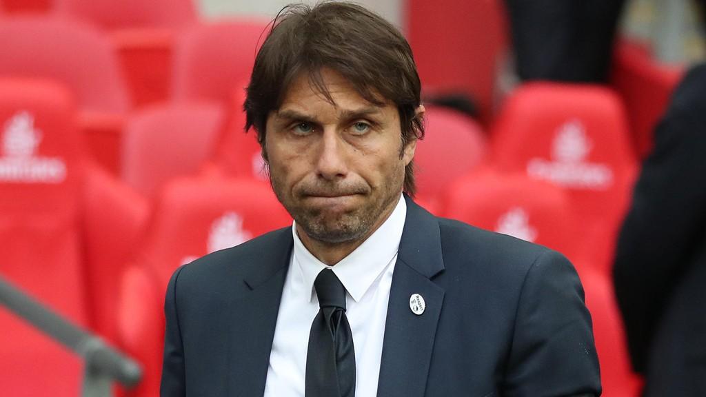 KLARE MENINGER: Antonio Conte er klar på at Chelsea må forsterke troppen før kommende sesong.