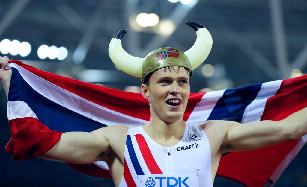 BEST I VERDEN: Karsten Warholm etter finaleseieren på 400 meter hekk i London.
