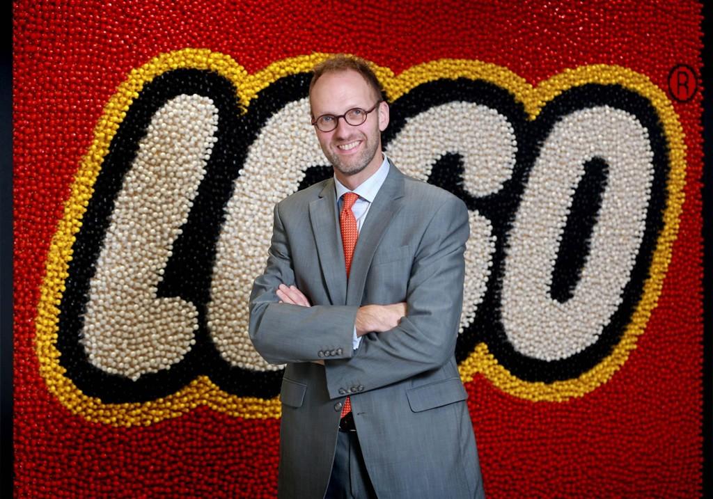 BYTTER UT SJEFEN Styreleder Jorgen Vig Knudstorp, som selv var administrerende direktør i Lego i tolv år. har ansatt nok en toppsjef i Lego.