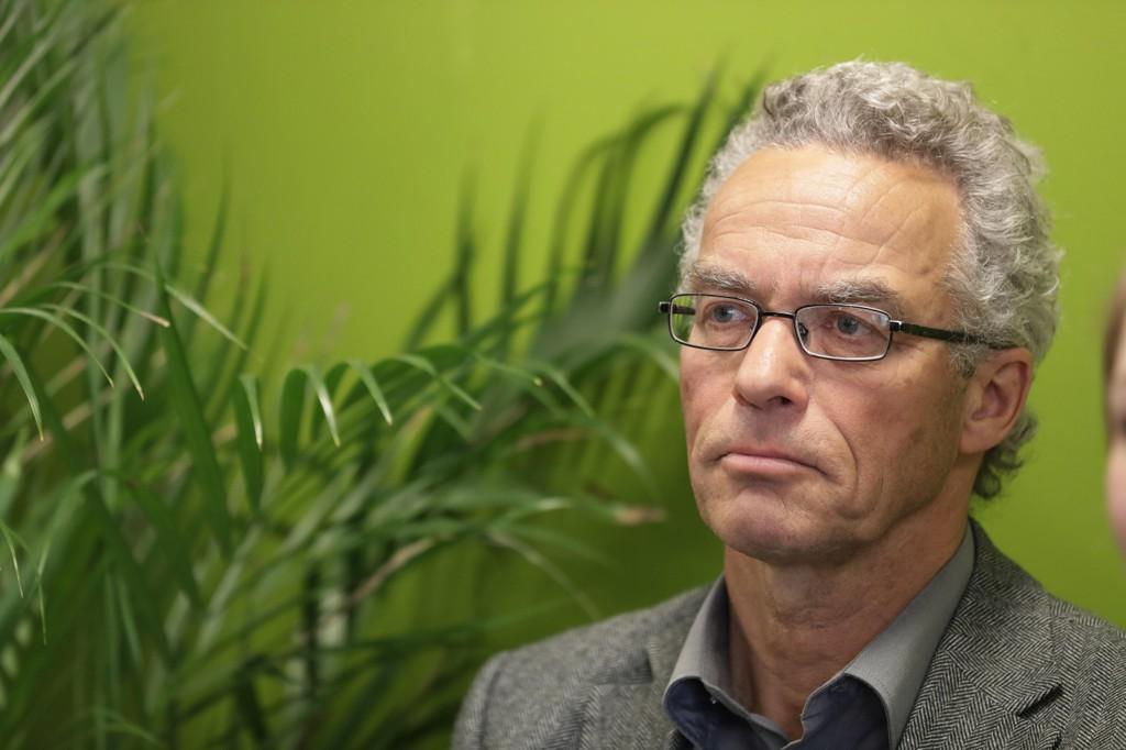 VIL KASTE REGJERINGEN: Rasmus Hansson garanterer nå at de vil bidra til å kaste en borgerlig regjering der Frp er med.