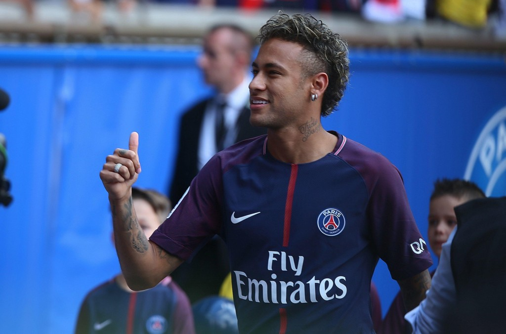 FÅR SIN DEBUT: Neymar er spilleberettiget for Paris Saint-Germain.