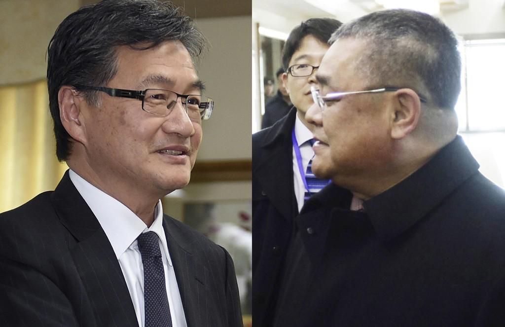 USAs Nord-Korea-utsending Joseph Yun (til venstre) har jevnlig kontakt med Pak Song II, en høytstående nordkoreansk diplomat i Pyongyangs FN-delegasjon, ifølge APs kilder.