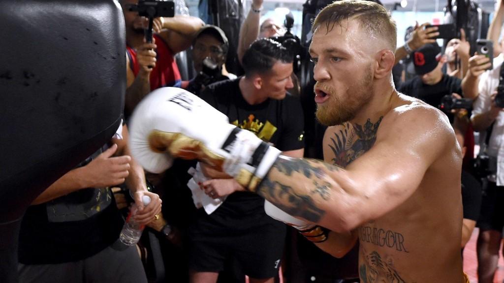 Conor McGregor er trygg på at han kommer til å slå Floyd Mayweather i bokseringen 26. august.